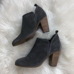 Vince Camuto grey suede leather size 9 booties